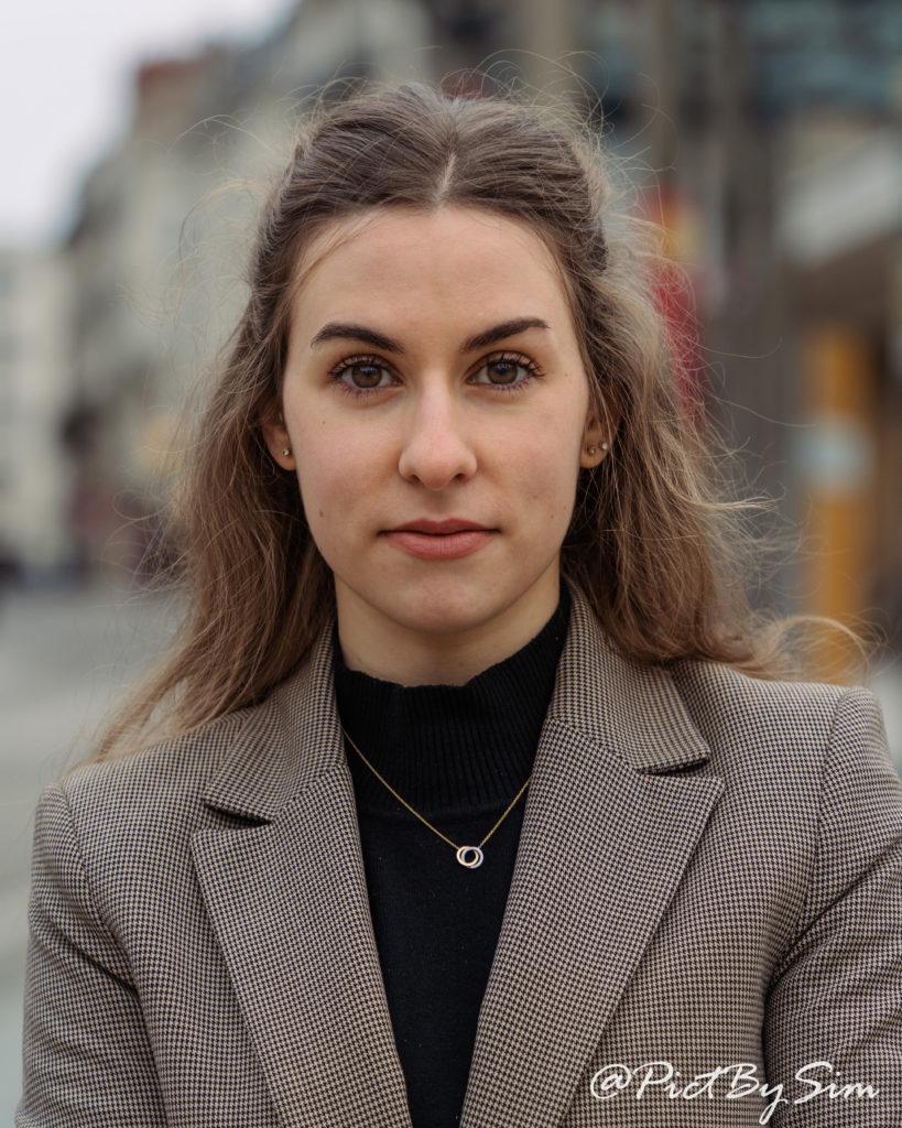Portrait féminin rapproché à Angers avec Diane