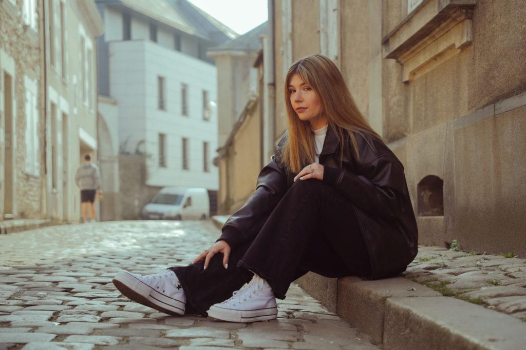 Photo de Laura dans les rues d'Angers