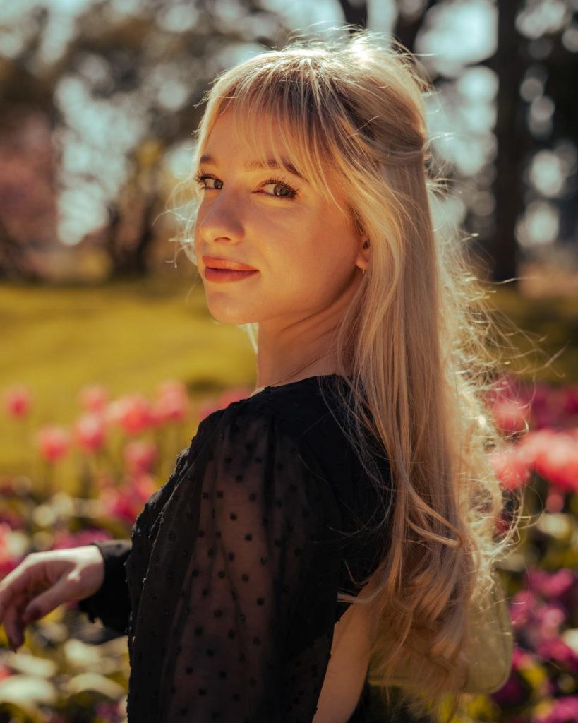 Portrait de Frédérique au jardin des plantes